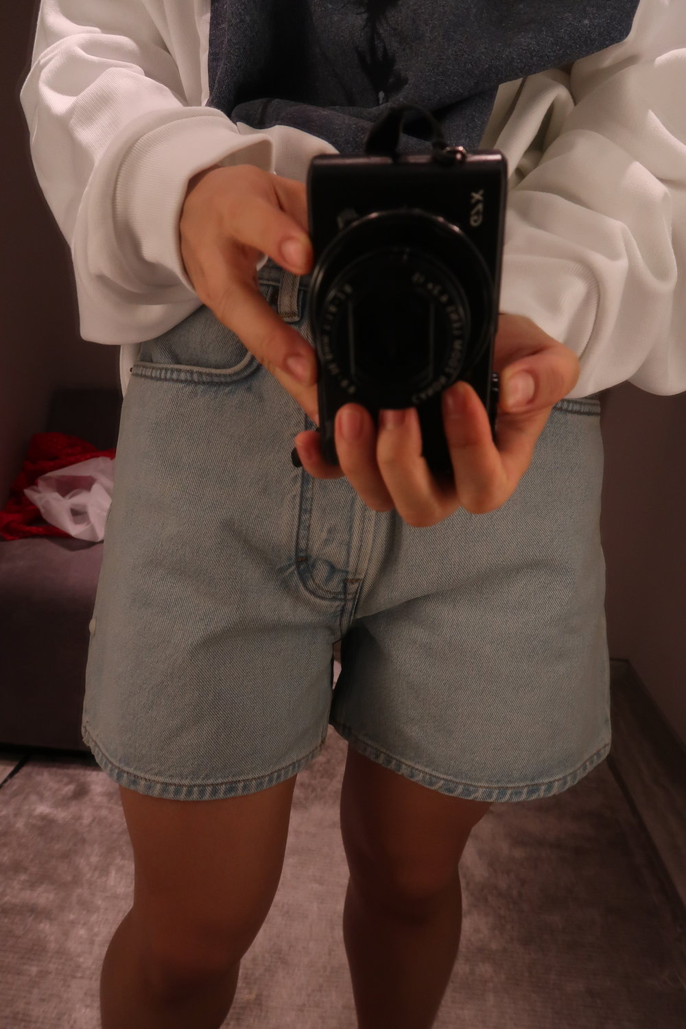 selfie_acne_studios_denim_shorts.jpg