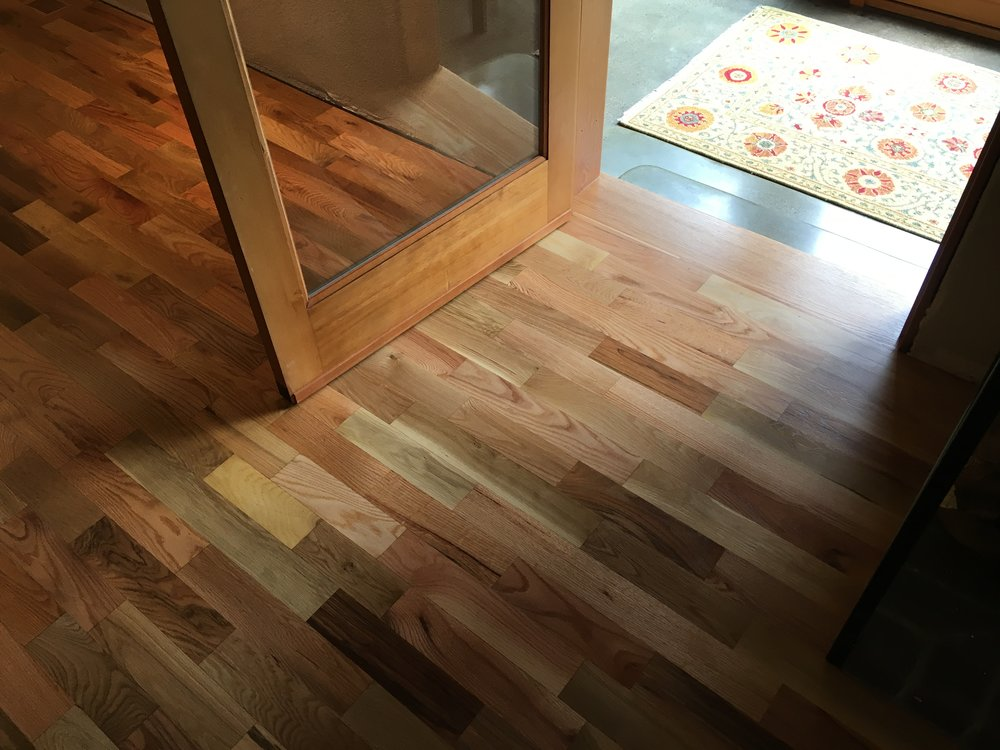 #1 Red Oak / White Oak Plank, Natural, Swedish Finish