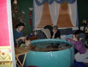 Melissa labors in tub on New Year's Eve 2006!