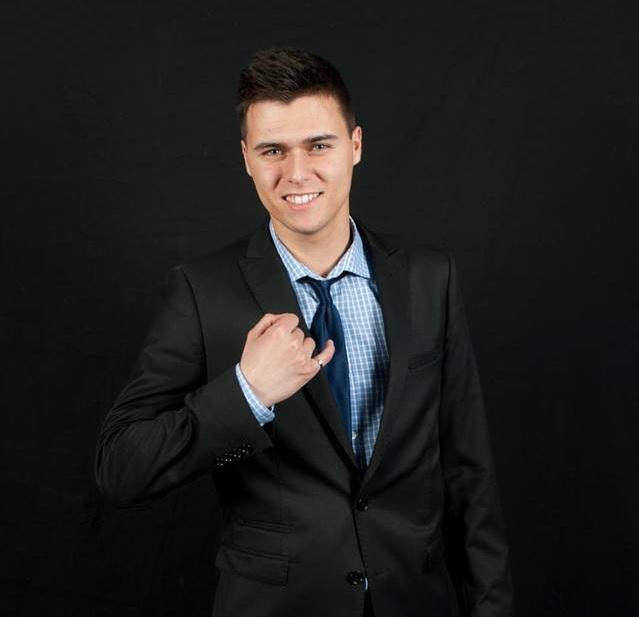 Kevin Bouvier, Fondateur - Fondateur de BL Vitres, Kevin en est à sa septième année avec l'entreprise. Il est diplômé en Génie Aérospatial de l'école Polytechnique de Montréal.Téléphone: 514-503-5515Courriel: Info@BLVitres.com
