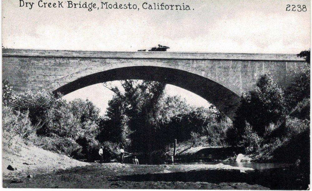 1906 - 1910 Dry Creek Bridge.jpg