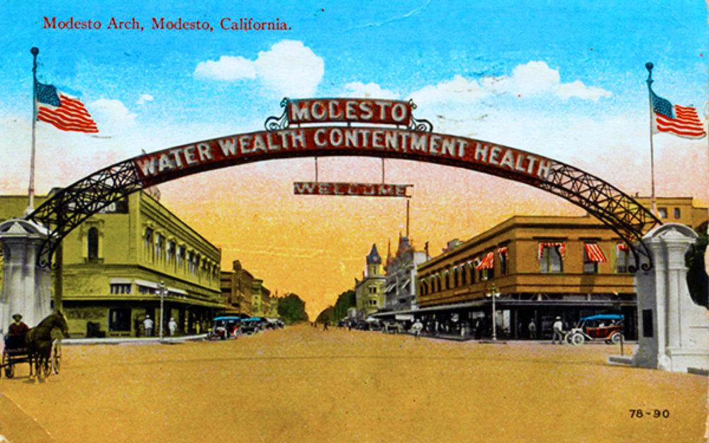 1912 Modesto Arch.jpg