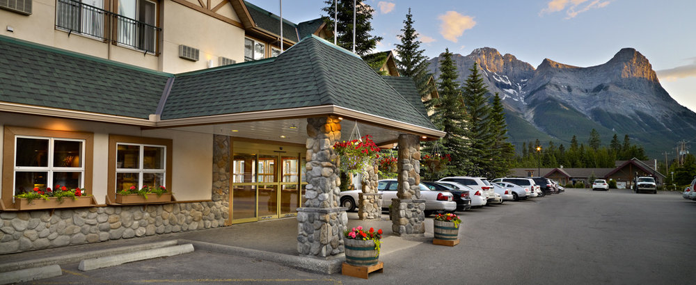 Coast-Canmore-Hotel-and-Conference-Centre.jpg