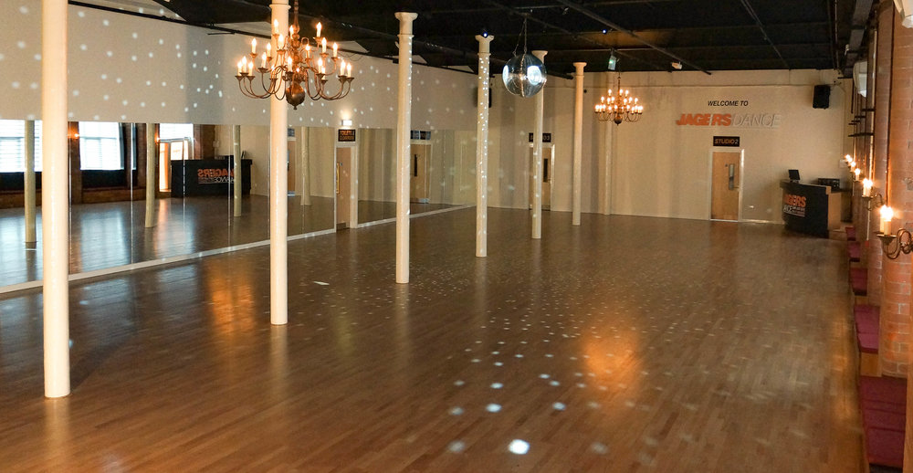 STUDIO 1 - 300m2 sprung and floating Junckers' hardwood floor50m2 coverage of mirrorsState-of-the-art integrated audio system