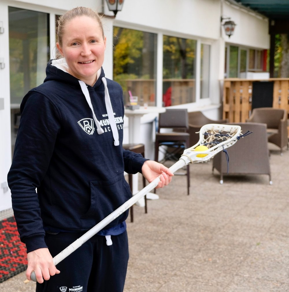 Laura Koschorek, outside the HLC Rot-Weiß München club house ( © Paul Wheatley )
