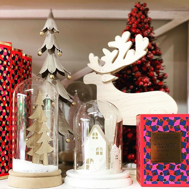 SALES here @gisbornecottage_flowers with 50% off all Christmas items 🎄 plus 20% off STOREWIDE and 10% off Candles, diffusers and prints. Come in and have a look!! #christmassale