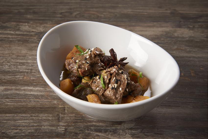 Goulache de bœuf à l'orientale avec patates douces