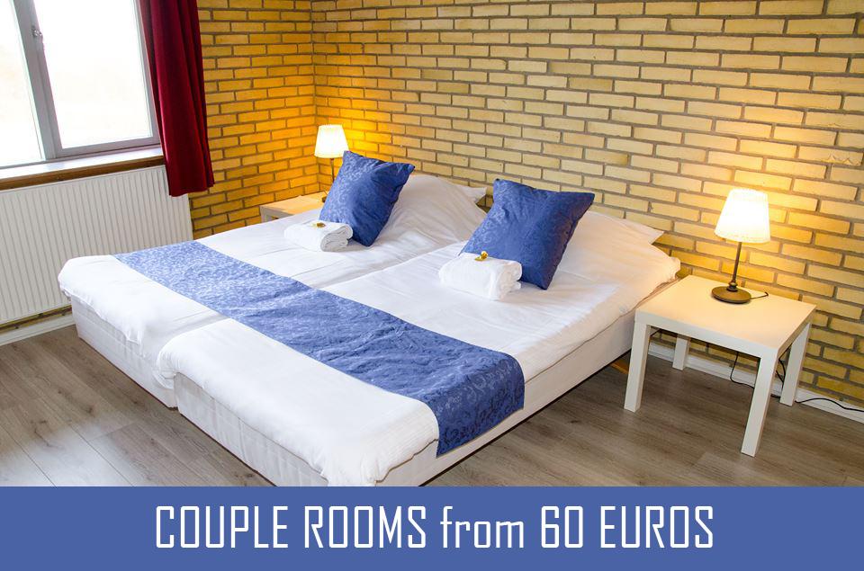 couple room 1A1.jpg