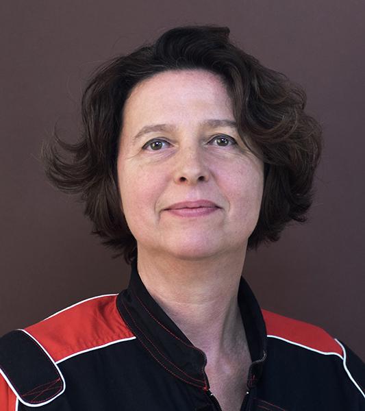 NATHALIE LEBEL - Ecole Nationale Supérieure des Arts Appliqués, ParisDirectrice artistique free-lance depuis 1984, elle est formatrice depuis 2012 dans le domaine du graphisme et des arts plastiques. En rejoignant l'équipe de Cadre Sup elle apporte son expérience dans le domaine de la communication multi support et multi secteurs.