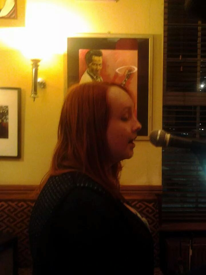 Sophie singing, unaccompanied, at the Chestnut Inn, Worcester, August 2014