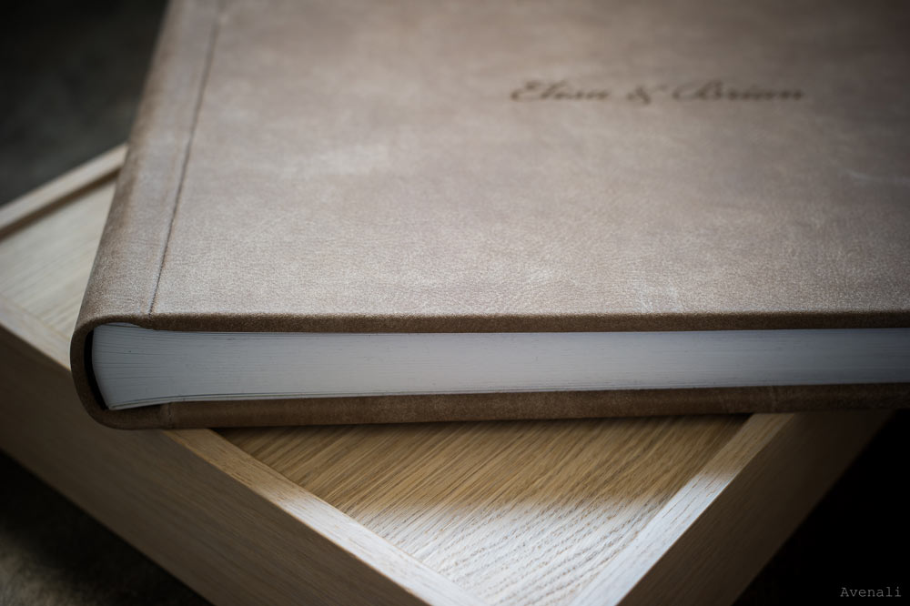 Sequoia-Leather-Graphistudio-wedding-book-photo-book-wooden-box.jpg