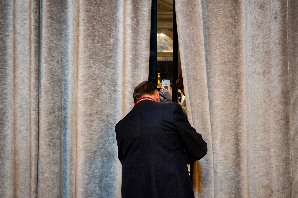 closing-curtains-st-peters-rome.jpg