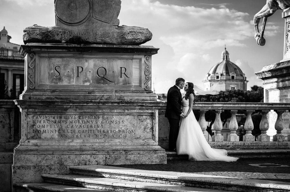 rome-campidoglio-at-sunset-black-and-white-wedding-photography.jpg