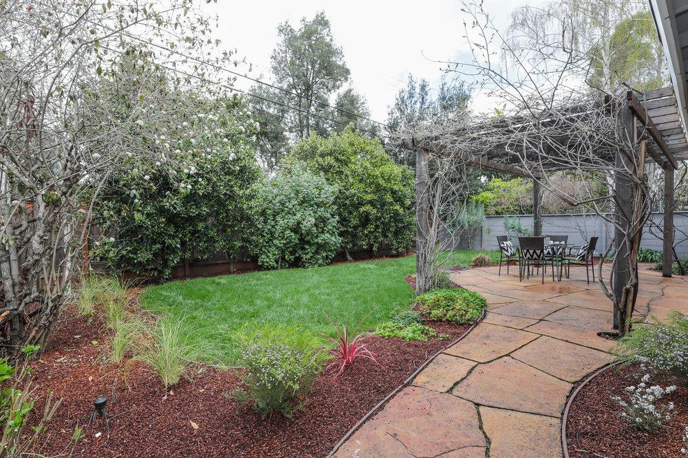 535 E Meadow Drive, Palo Alto