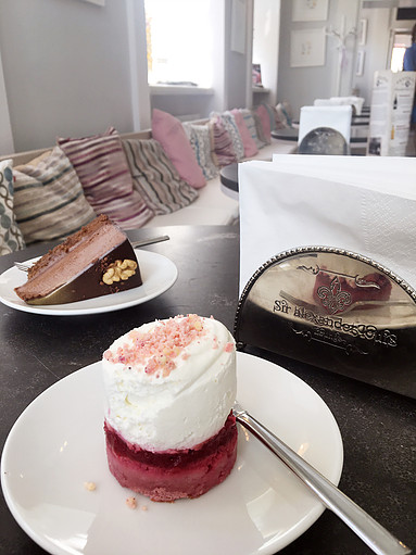Warsaw's Cafe Fit For A Princess | Raspberry Cake at Miodowa | jumpseatjenny | Travel and Lifestyle Blogger | Warsaw Poland