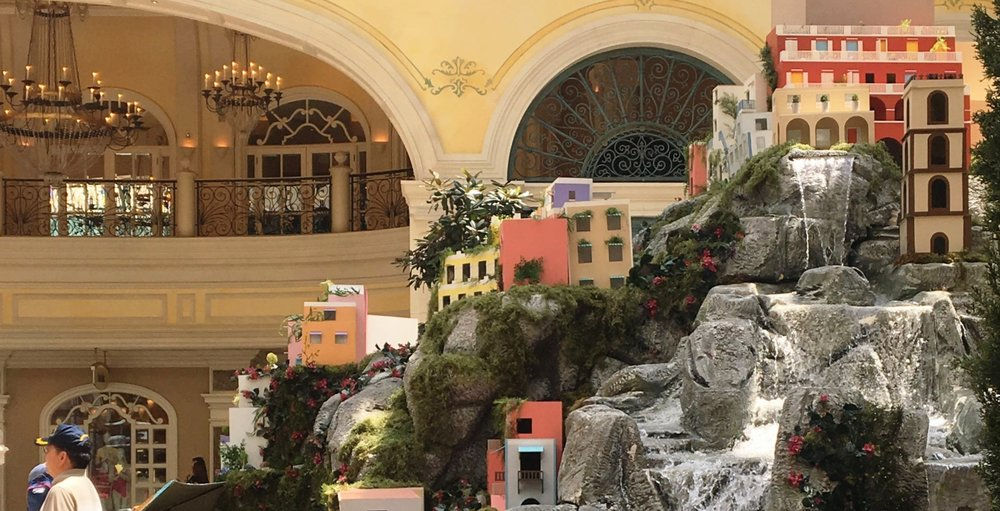 The Non-Party Girl's Guide To Vegas | Bellagio Conservatory | jumpseatjenny | Travel and Lifestyle Blogger | Las Vegas Nevada