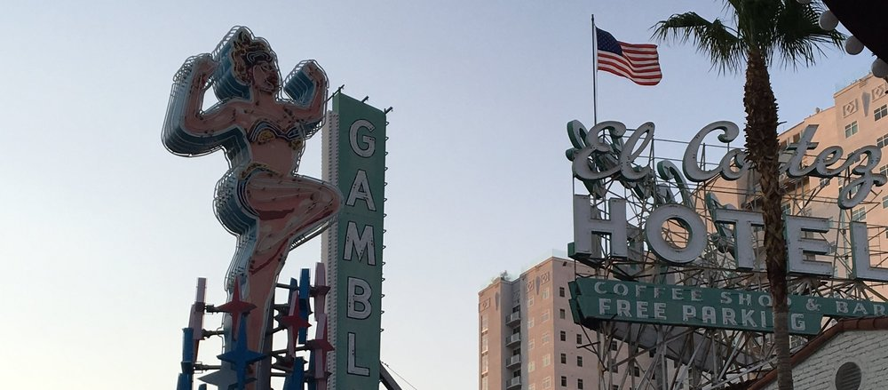 The Non-Party Girl's Guide To Vegas | Vintage Neon Signs| jumpseatjenny | Travel and Lifestyle Blogger | Las Vegas Nevada