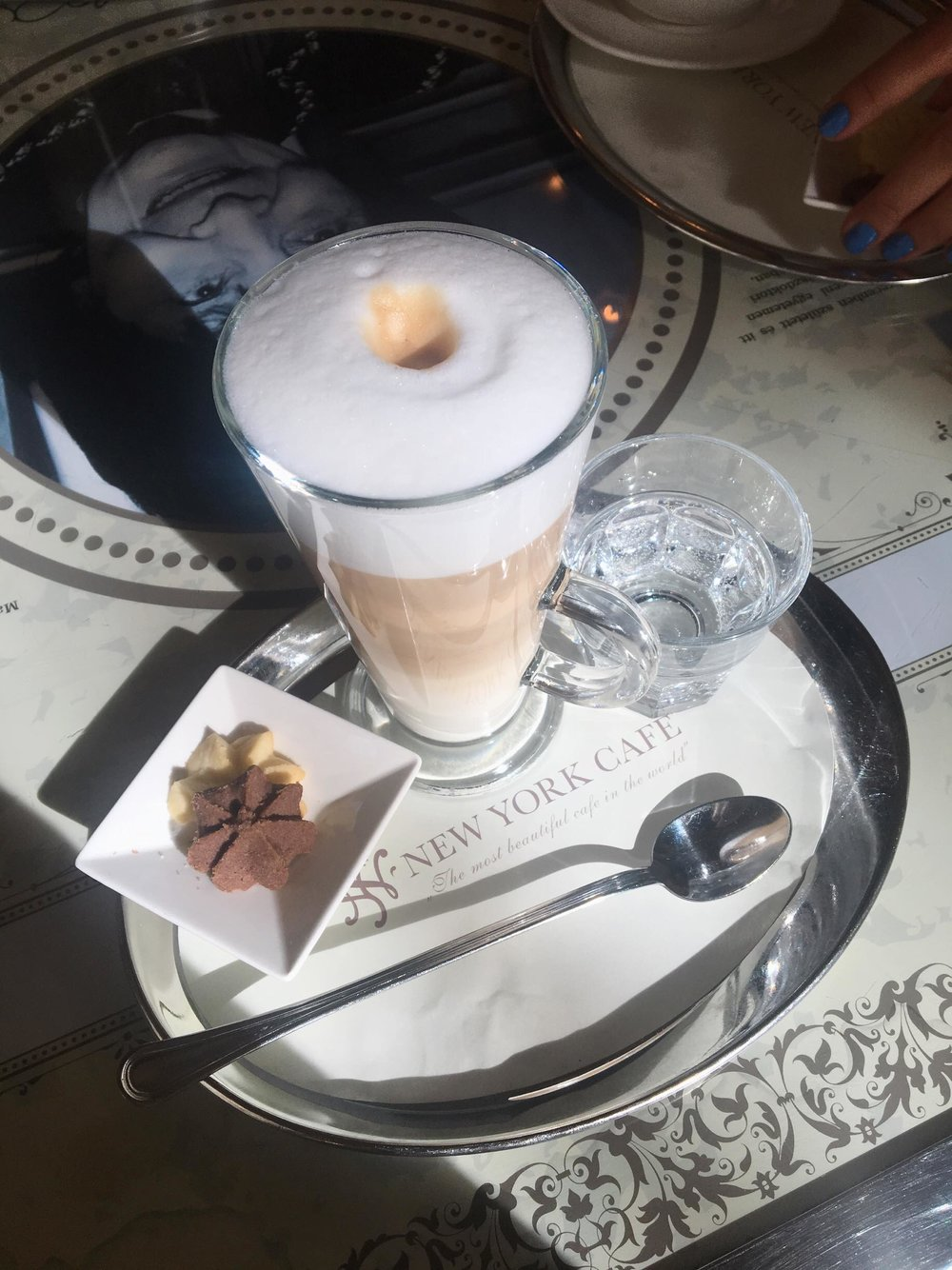 Budapest's Palace Cafe | New York Cafe Latte | jumpseatjenny | Travel and Lifestyle Blogger | Budapest Hungary