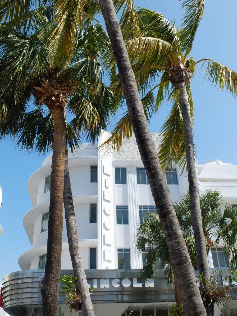 A Glimpse Into Miami's Art Deco Paradise | Lincoln Theatre | jumpseatjenny | Miami Florida