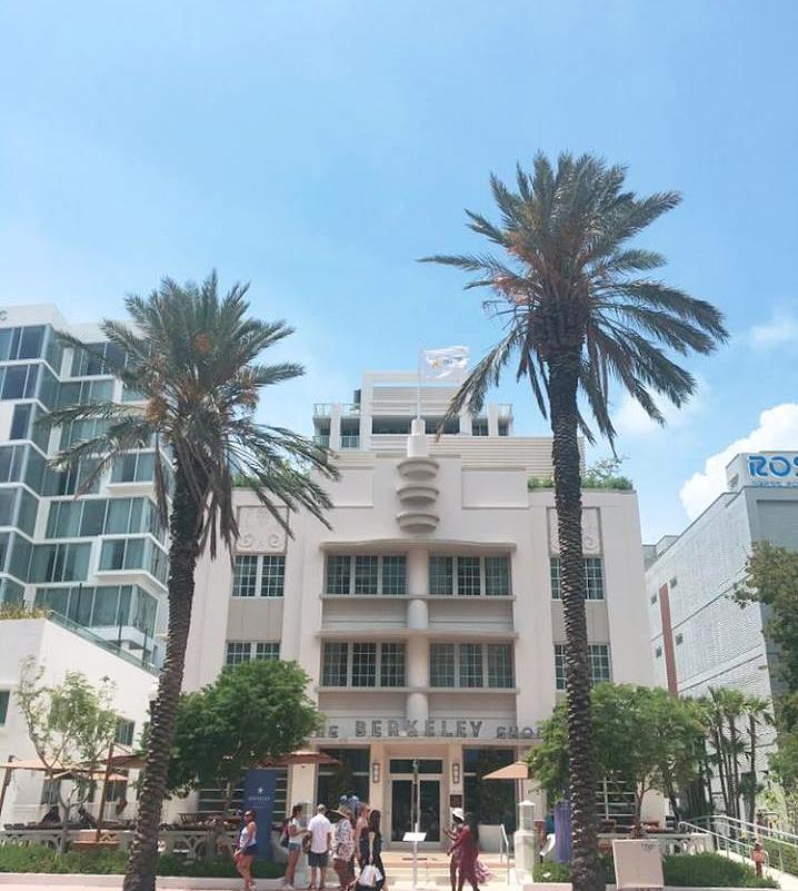 A Glimpse Into Miami's Art Deco Paradise | The Berkeley Shore | jumpseatjenny | Miami Florida