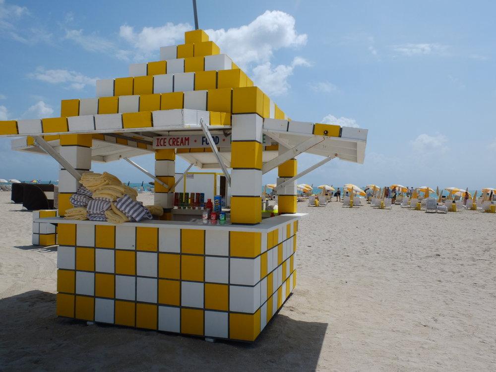 The Insta-Worthy Lifeguard Huts of South Beach | Yellow Checks | jumpseatjenny | Miami Florida.JPG