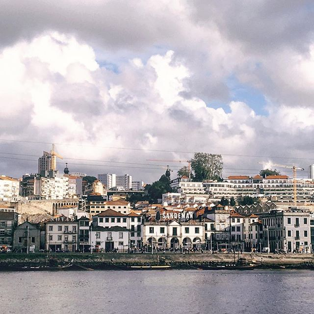 "When travelling remember everything barely goes as planned. Sometimes it's better to drop the list and go with the flow. . . . I was so excited for my first trip to Porto, but upon arrival realized really how little time I would have here and how out of the way our hotel would be. . . . Instead of stressing I did myself the favour of putting aside my ""to see list"" and chilling out instead. . . . Which brought good food, good views and good company. ✈️"