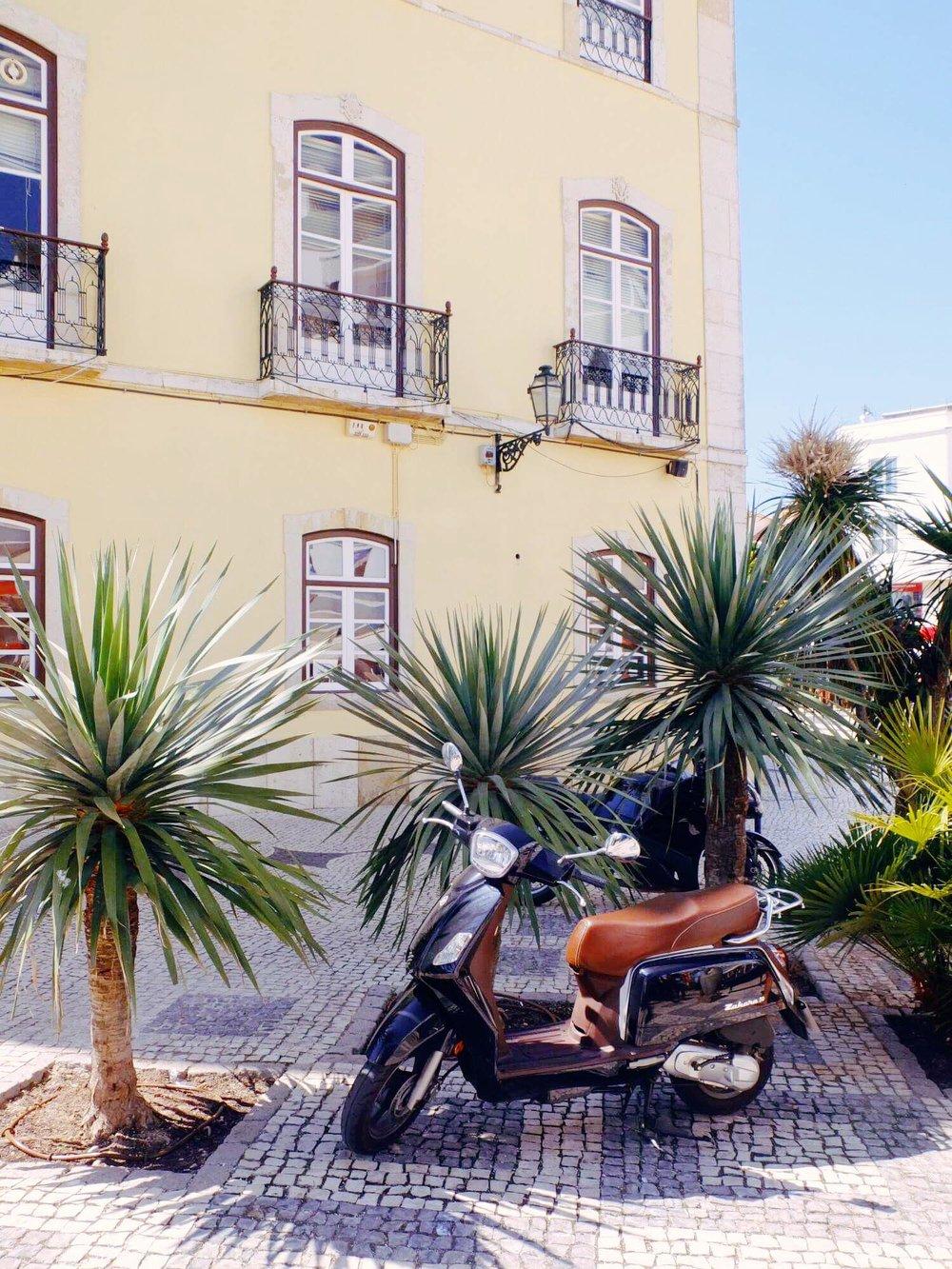 Vamos a Lagos | Vespa Ride | jumpseatjenny | Lagos Portugal.jpg