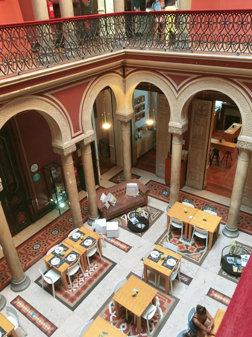 Layover In Lisbon   Courtyard inside of Ribeiro da Cunha Palace   jumpseatjenny   Lisbon Portugal.jpg