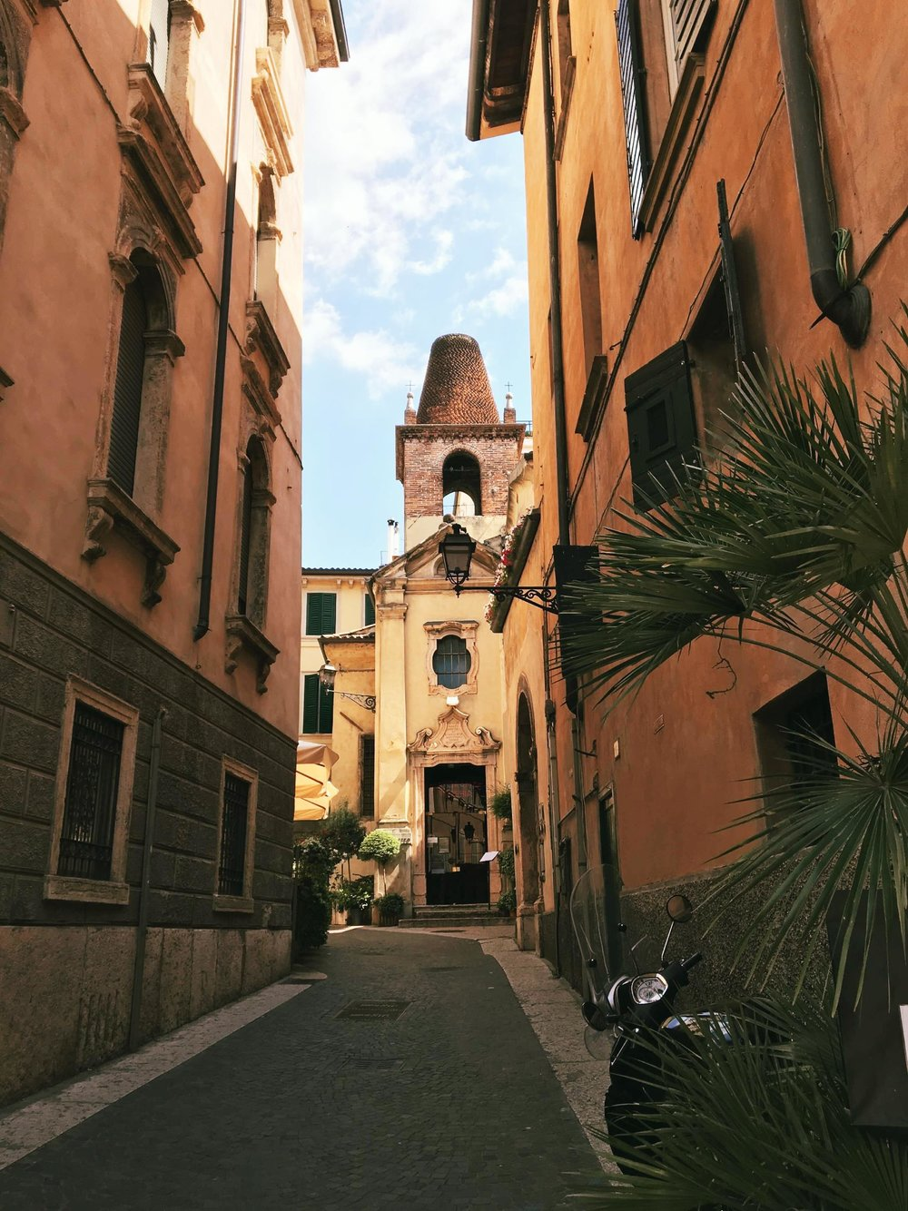 Visiting Verona | Verona Streets | jumpseatjenny | Verona Italy.jpg