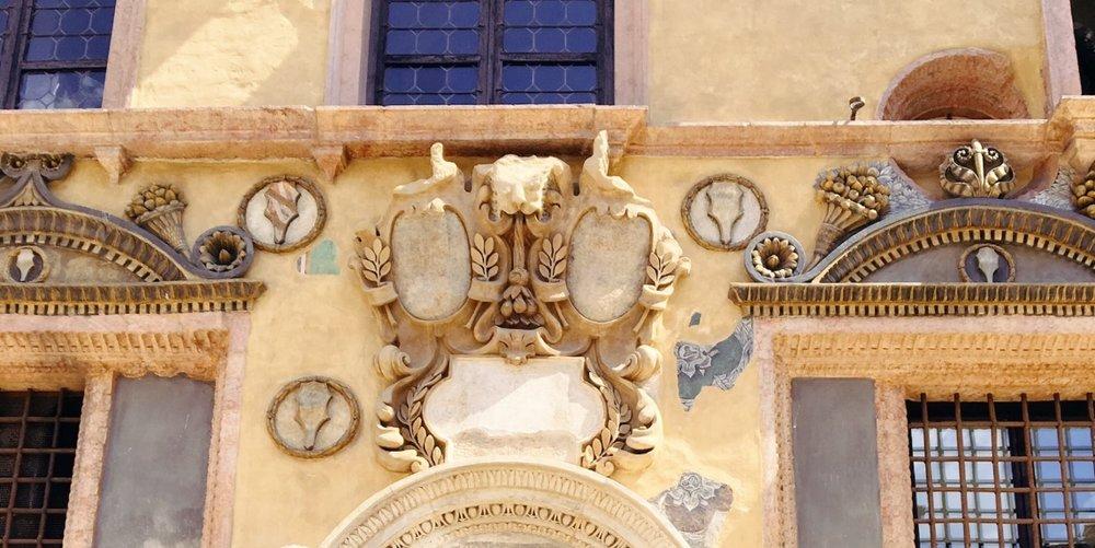 Visiting Verona | Pretty Buildings | jumpseatjenny | Verona Italy.jpg