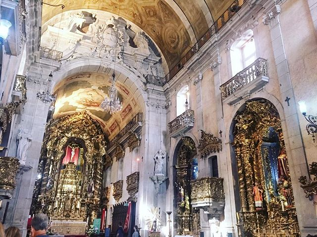 Rococo churches of Porto👌🏻 Igreja Do Carmo ⛪️