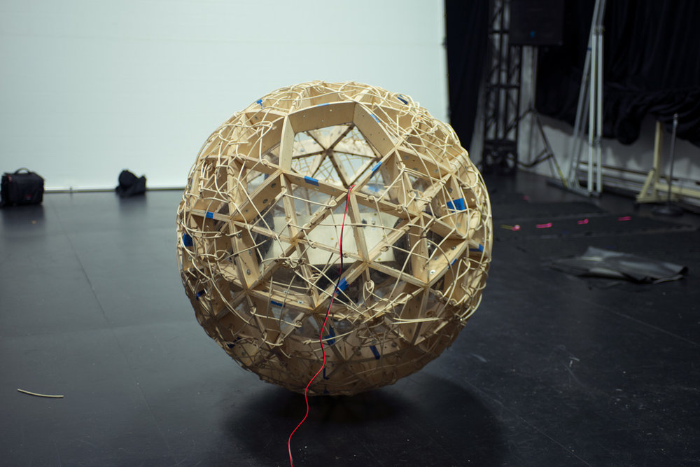 TZ'IJK.1.  Geodesic truncated icosahedron assembled.