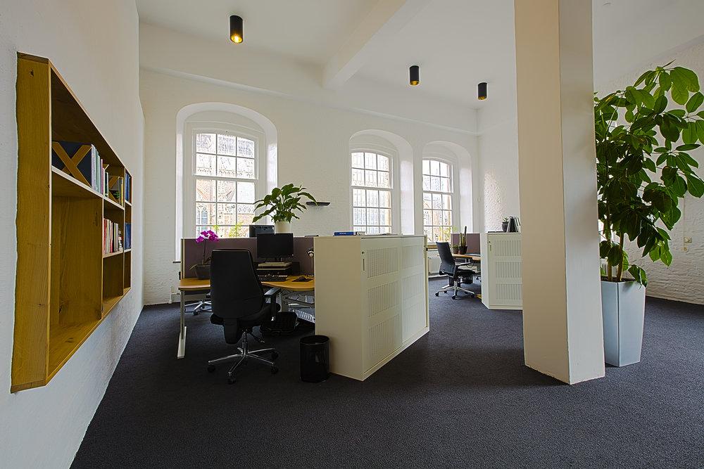 Interieuradvies ontwerp realisatie en styling kantoor Arnhem 2.jpg