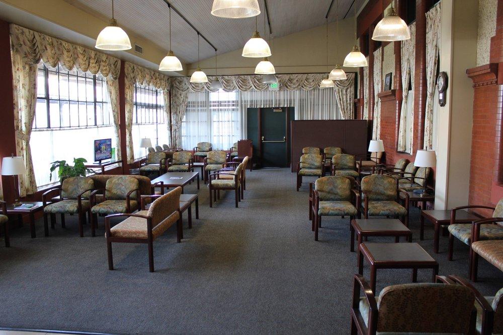Amtrak-Metropolitan-Lounge-Portland-Review-8.jpg
