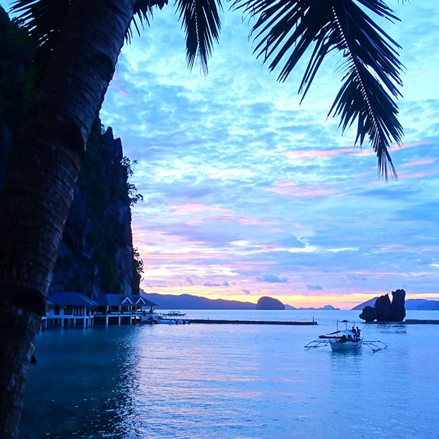 Sunset in Palawan  #sunset #travel #travelasia #travelphotography #travelmore #inspiration #instagood #potd #nationalgeographic #graphicdesigninspiration #graphicdesign #photography