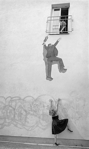 ©Anne De Geer, Mannen på väggen
