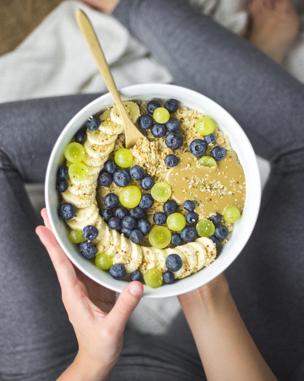 oatmeal_grapes_blueberries_banana_sunbutter.jpg