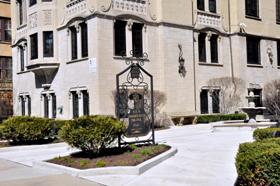 Oak Park Bon Villa Apartments Left.jpg
