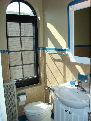 Bon Villa - Bath.JPG