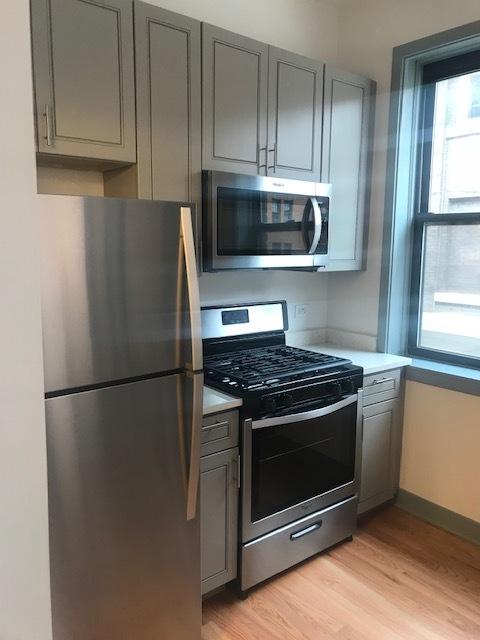 115 Oak Pk Kitchen.jpg