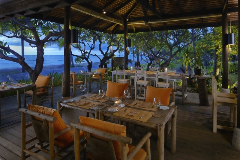 Coast_restaurant_[5890-MEDIUM].jpg