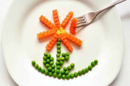 eat-carrots-peas-healthy-45218.jpg