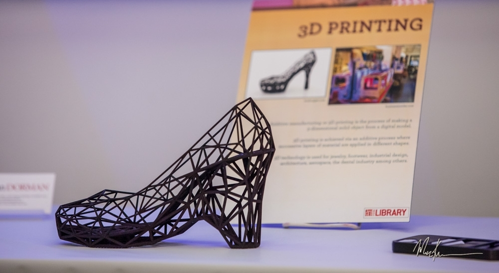 Prototype of 3D shoe made by Continuum