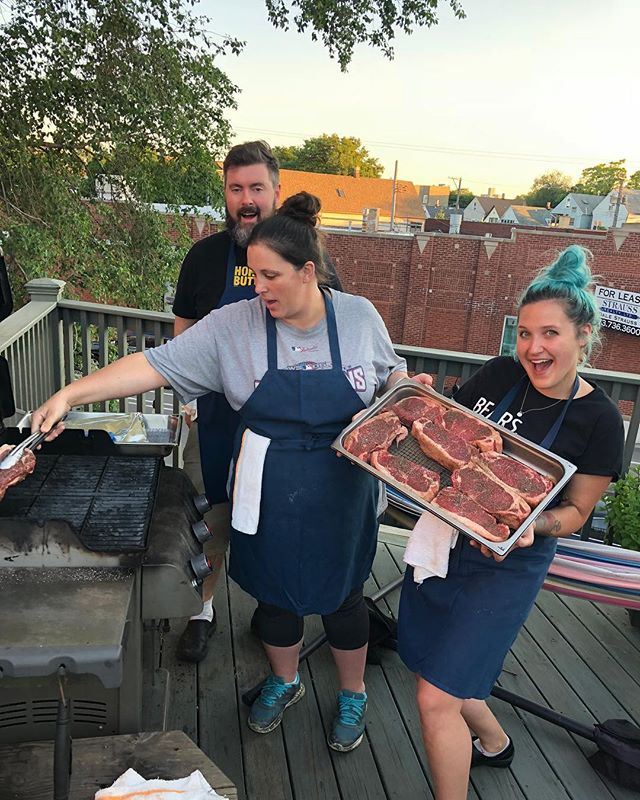 @bigalxoxo and @chefjoshkulp forgot how to grill so I had to come back to @sundaydinnerchi and teach them a few things! #bigsteakdinner #fixingmisteaks