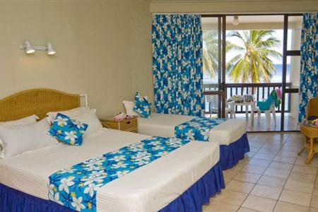 OPTION 3 - BEACHFRONT DELUX SUITE  Features: Your own Delux Suite, Ocean Views, Spa Bath, Air Conditioning, Serviced Daily, Max 2 Adults Per Room