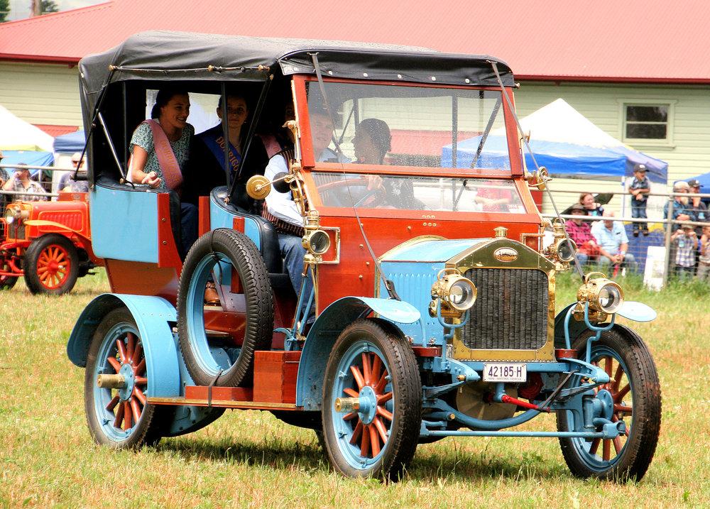 Dorrigo Show Vintage Cars.JPG