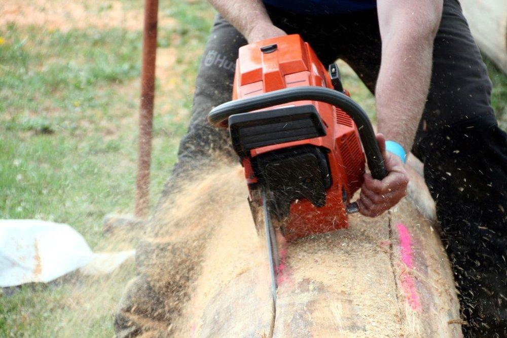 chainsaw1.jpg