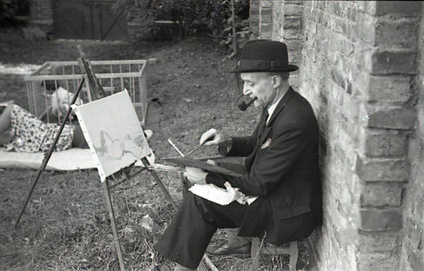 Georges à son chevalet dans le jardin de sa maison de Talence