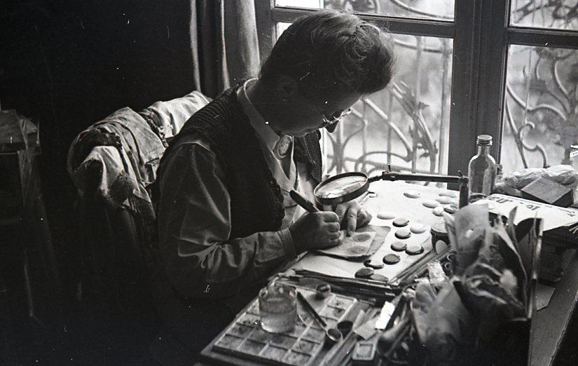 En plein travail, Courbevoie 1954