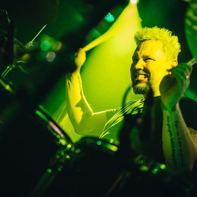 Sami Osala 🔥  #samiosala #patrikeriksson1973 #jaakkojakku #juzziturunen  #speakingvolumes #recordreleaseshow #stoneblueelectric  @ontherockshelsinki  #rockmusic #rockwillneverdie #havingablast #wantmore #ontherockshelsinki #nemagency #helsinki #suomi #finland #sweden #rock 📸 @caroxskatercore